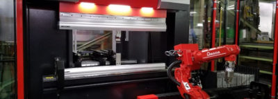 多品種少量・24時間稼動のロボットベンダー