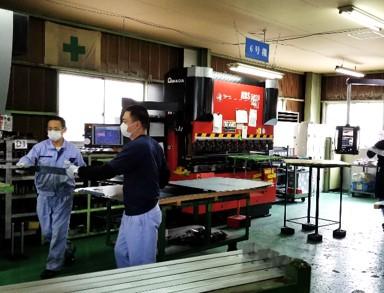 整理整頓された板金工場