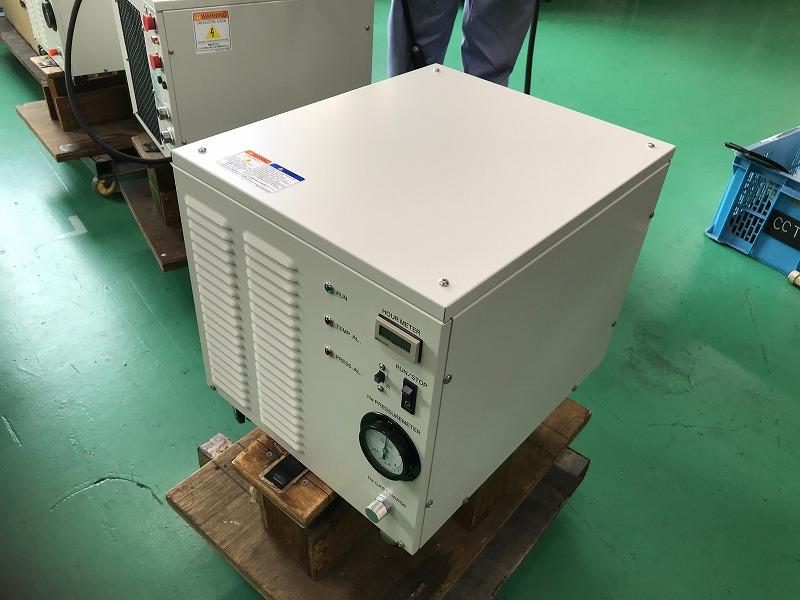クライオポンプ用コンプレッサーユニット(小型)