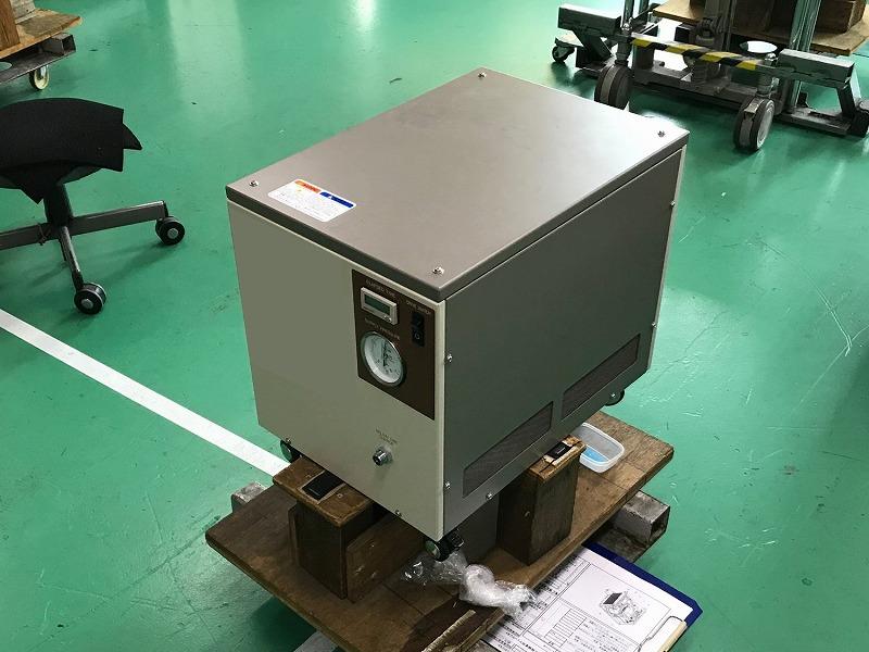 クライオポンプ用コンプレッサーユニット(中型)